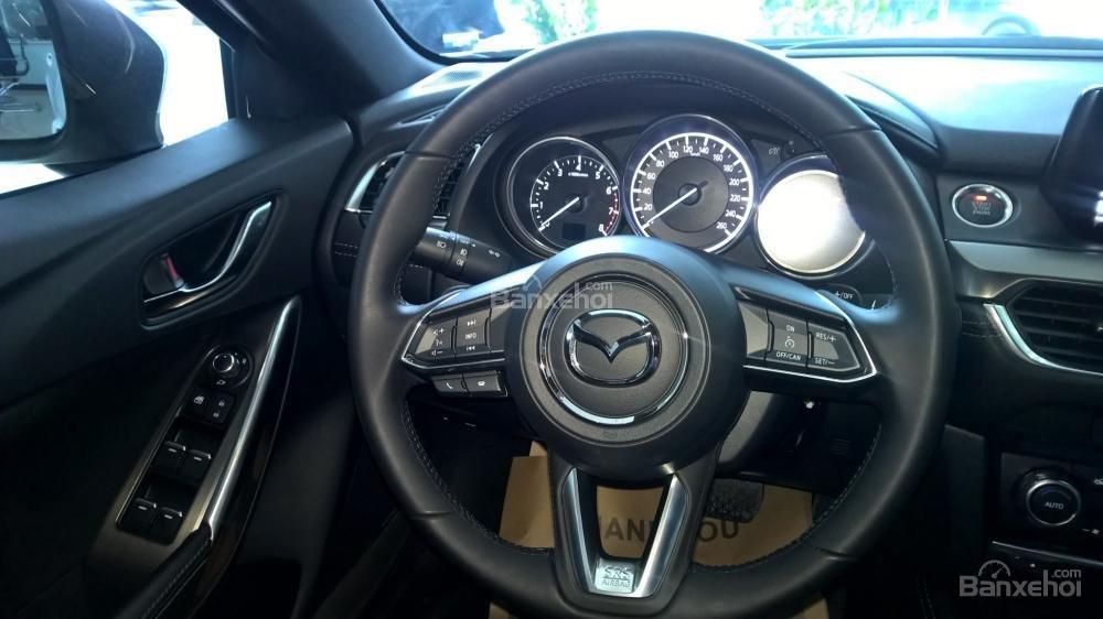 Bán xe Mazda 6 Facelift 2017, đủ màu, giao xe ngay, nhiều khuyến mãi đặc biệt hấp dẫn, hỗ trợ trả góp tới 90%-6