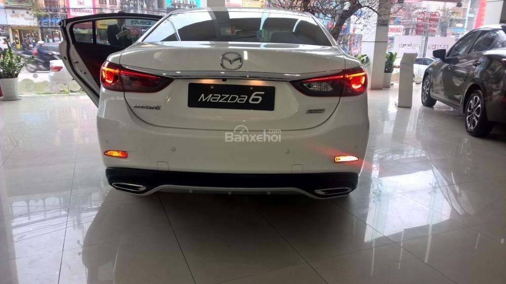 Bán xe Mazda 6 Facelift 2017, đủ màu, giao xe ngay, nhiều khuyến mãi đặc biệt hấp dẫn, hỗ trợ trả góp tới 90%-8