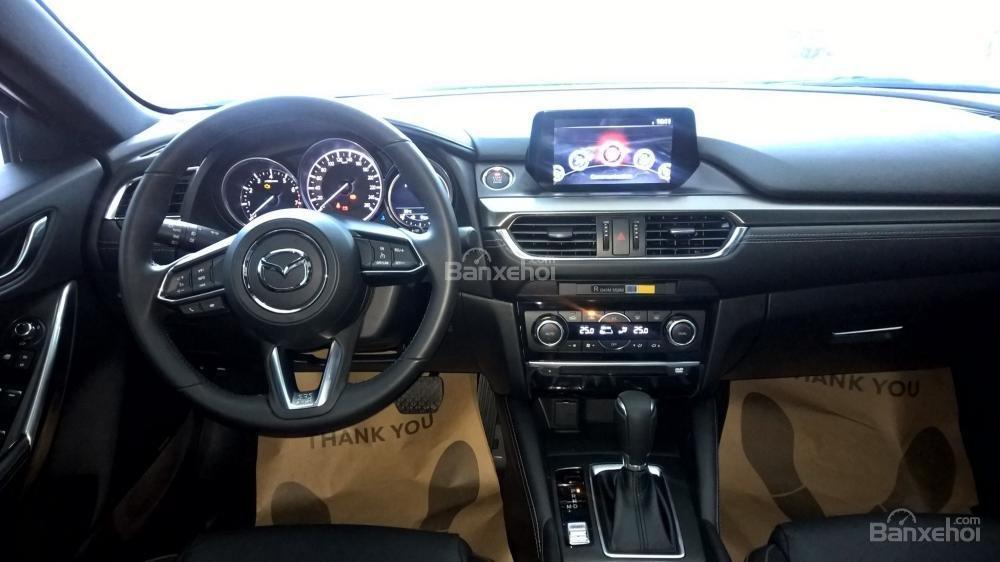 Bán xe Mazda 6 Facelift 2017, đủ màu, giao xe ngay, nhiều khuyến mãi đặc biệt hấp dẫn, hỗ trợ trả góp tới 90%-7