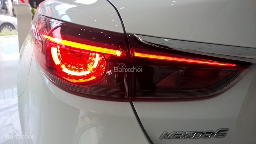 Bán xe Mazda 6 Facelift 2017, đủ màu, giao xe ngay, nhiều khuyến mãi đặc biệt hấp dẫn, hỗ trợ trả góp tới 90%-9