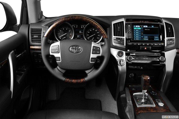 đánh giá xe Toyota Land Cruiser 2014 711