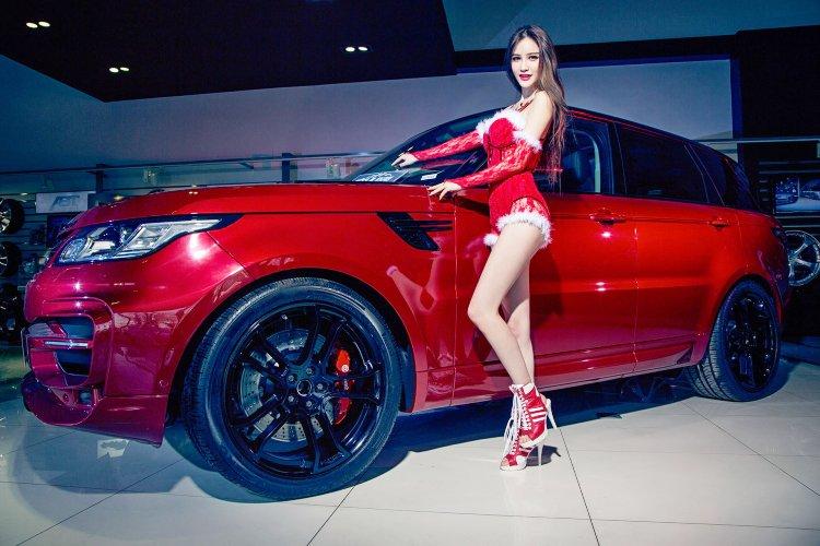 Người đẹp và xe Range Rover a3
