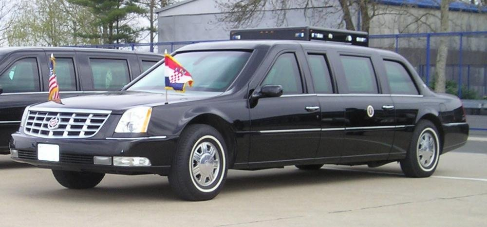 US Presidential Cadillac DTS - Xe của tổng thống Mỹ