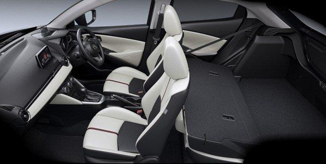 mazda2 2015 a 7829 Đánh giá chi tiết xe Mazda2 2015: Nỗ lực thay đổi