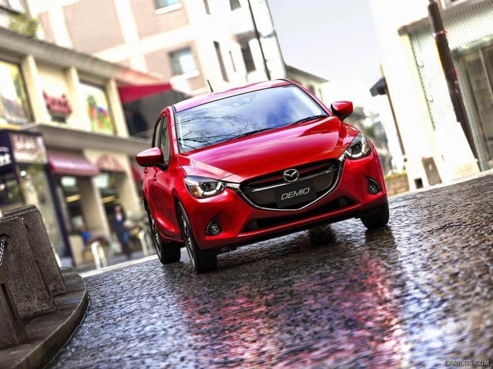 mazda2 2015a16 db56 Đánh giá chi tiết xe Mazda2 2015: Nỗ lực thay đổi
