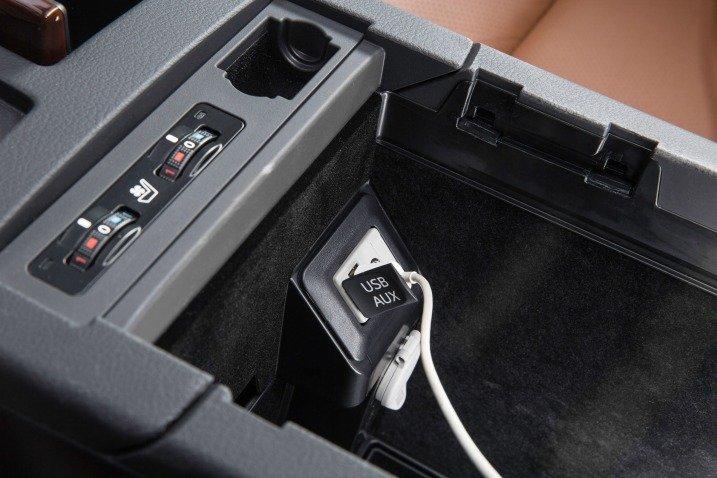 giai tri 3 5af5 Đánh giá chi tiết xe Lexus RX 350 2015: Sang trọng hàng đầu