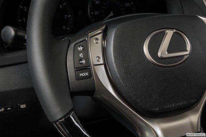 vo lang 3 52ac Đánh giá chi tiết xe Lexus RX 350 2015: Sang trọng hàng đầu