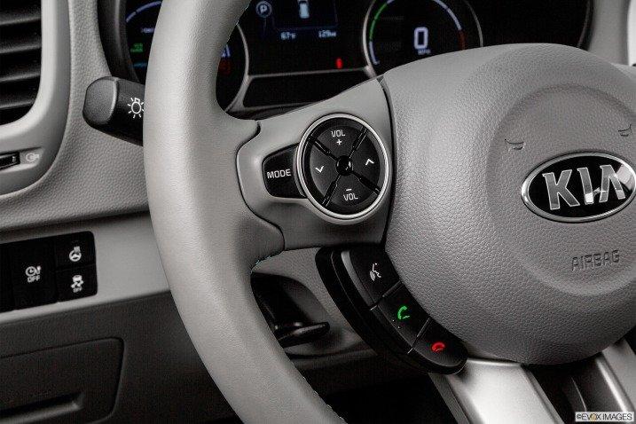 vo lang 2 999b Đánh giá chi tiết xe Kia Soul EV 2015