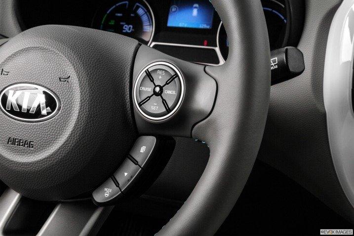 vo lang 3 52e4 Đánh giá chi tiết xe Kia Soul EV 2015