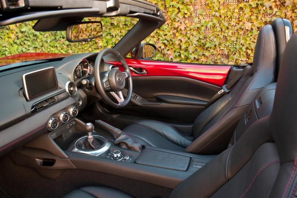 Mazda MX 5 a14 9a87 Đánh giá chi tiết xe Mazda MX 5 mui trần 2015