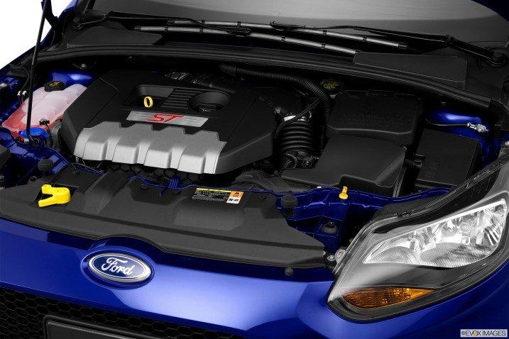 dong co ce 53fc Đánh giá chi tiết xe Ford Focus ST 2014: Mạnh mẽ và cao cấp