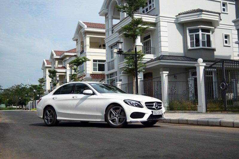 AMG a12 7f5b Đánh giá chi tiết xe Mercedes Benz C250 AMG: Lựa chọn của các doanh nhân trẻ thành đạt