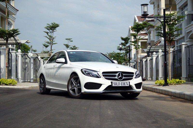 AMG a18 3dc9 Đánh giá chi tiết xe Mercedes Benz C250 AMG: Lựa chọn của các doanh nhân trẻ thành đạt