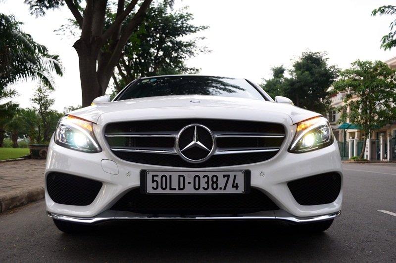 AMG a2 37e0 Đánh giá chi tiết xe Mercedes Benz C250 AMG: Lựa chọn của các doanh nhân trẻ thành đạt