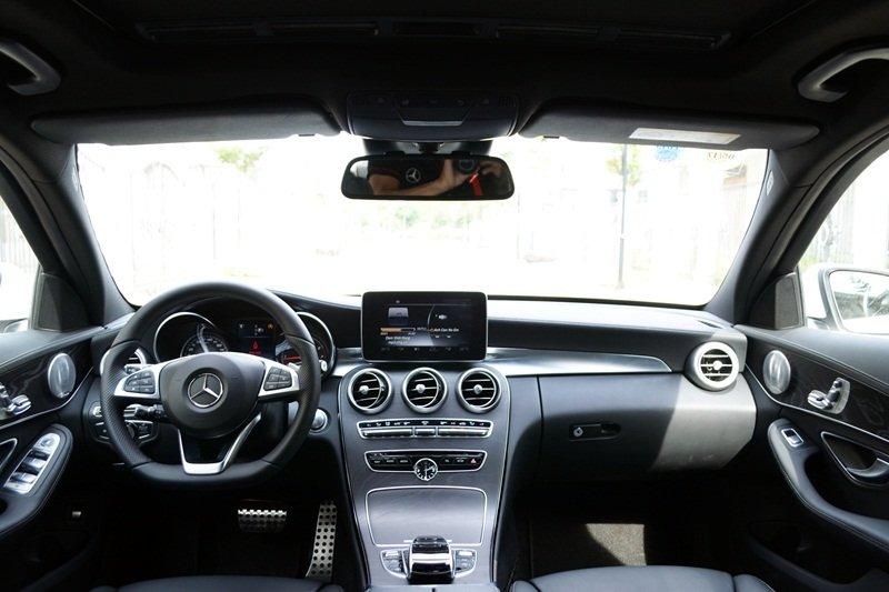 AMG a24 dba0 Đánh giá chi tiết xe Mercedes Benz C250 AMG: Lựa chọn của các doanh nhân trẻ thành đạt