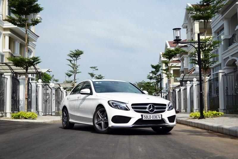 AMG a44 38a9 Đánh giá chi tiết xe Mercedes Benz C250 AMG: Lựa chọn của các doanh nhân trẻ thành đạt