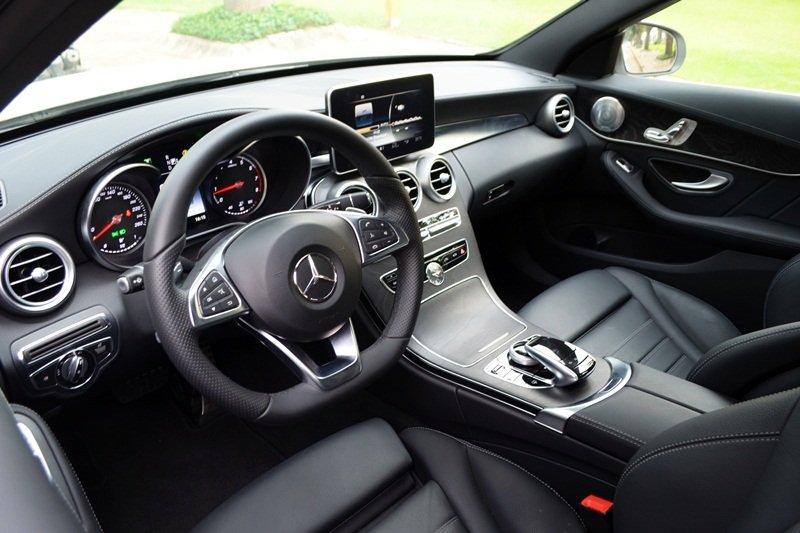 AMG a7 08e8 Đánh giá chi tiết xe Mercedes Benz C250 AMG: Lựa chọn của các doanh nhân trẻ thành đạt
