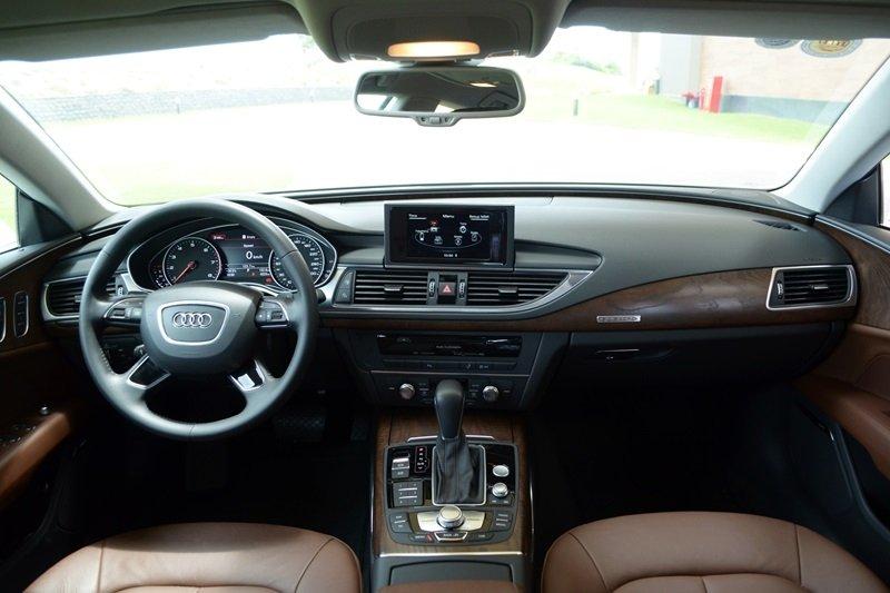 AudiA7Sportbacka11 aeef Đánh giá chi tiết xe Audi A7 Sportback 2015: Tiêu chuẩn mới trong thiết kế ô tô