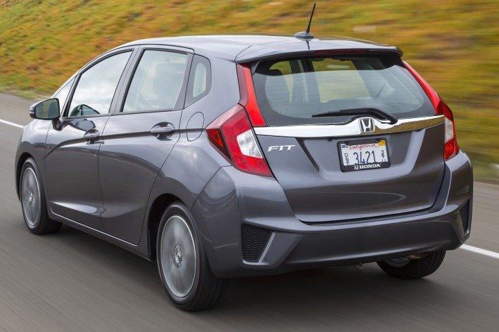 HondaFit201518 d0cb Đánh giá chi tiết xe Honda Fit 2015: Mạnh mẽ, linh hoạt