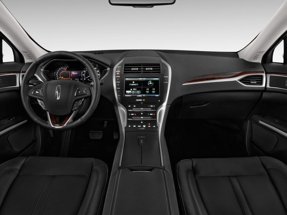 bangtablo1 9501 Đánh giá chi tiết xe Lincoln MKZ 2016