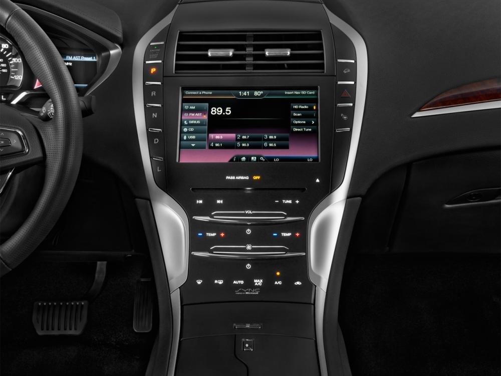 manhinhcamung 8b2c Đánh giá chi tiết xe Lincoln MKZ 2016