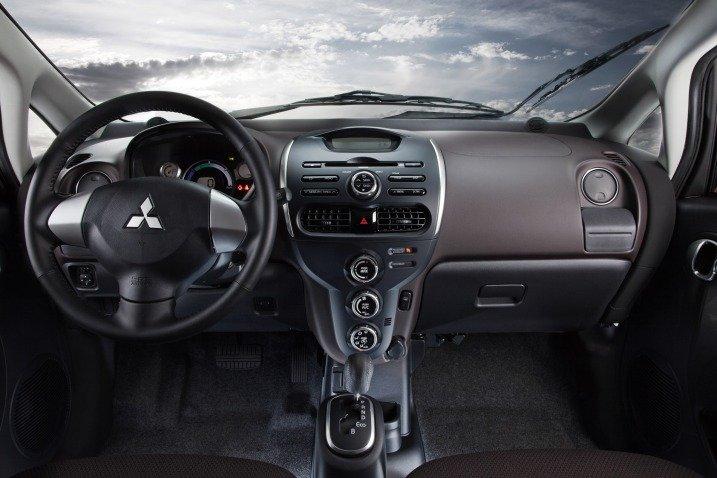 noithat dea5 Đánh giá chi tiết xe Mitsubishi i MiEV 2016