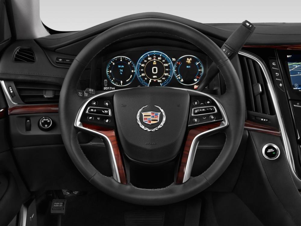 ade2015 7f83 Đánh giá chi tiết xe Cadillac Escalade 2015