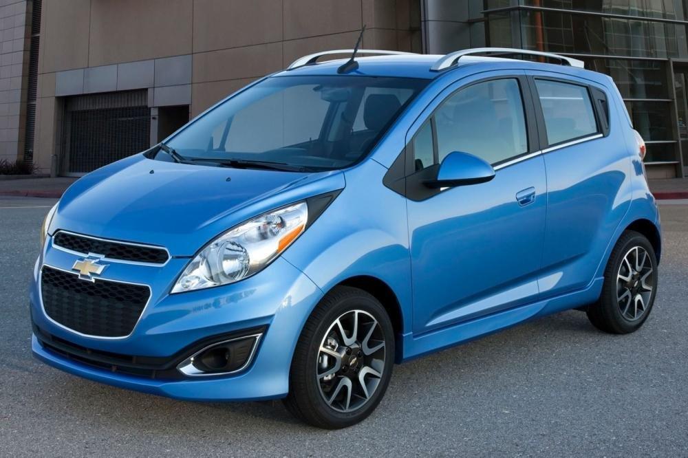 Chevrolet Spark có giá từ 349 triệu.