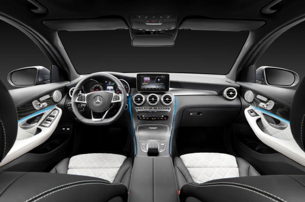 Không gian nội thất của Mercedes-Benz GLC-Class được lấy cảm hứng từ dòng C-Class.