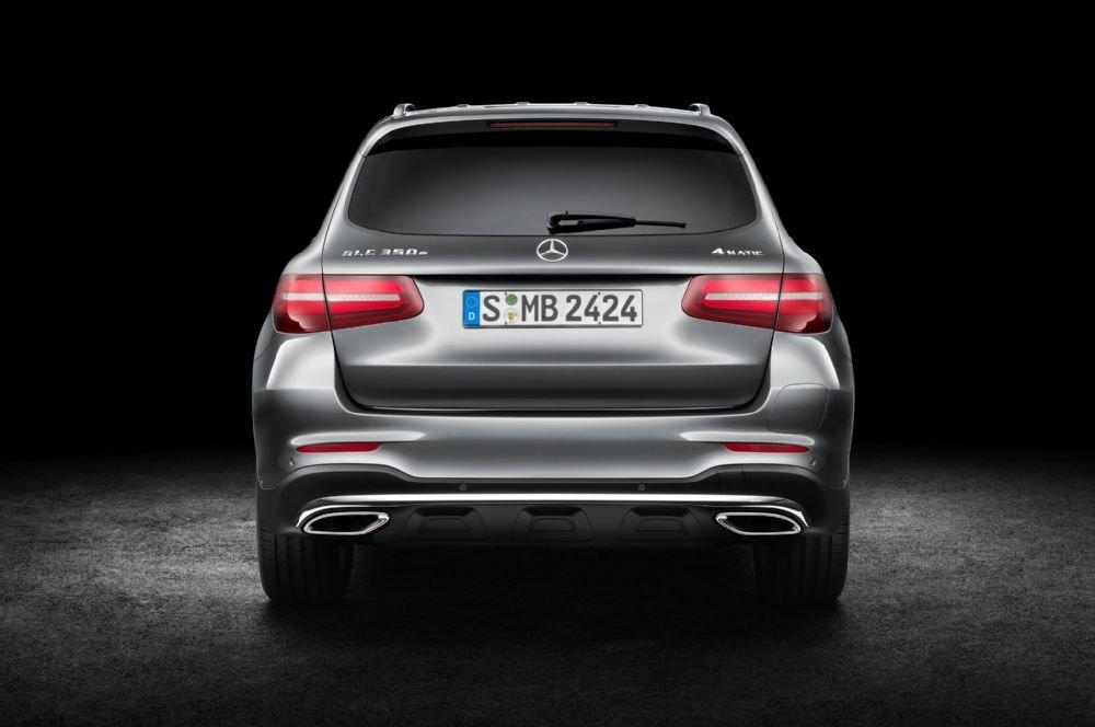Đuôi xe Mercedes-Benz GLC-Class.