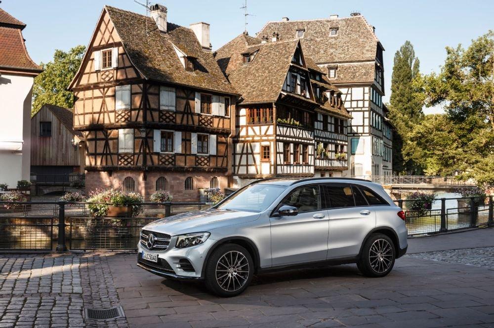 Mercedes-Benz GLC-Class được trang bị động cơ I4 tăng áp.