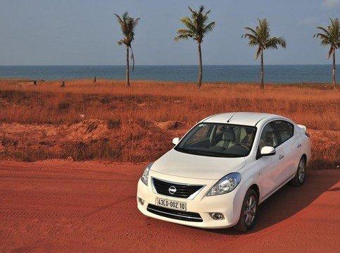 So sánh xe Honda City và Nissan Sunny: Một chín, một mười