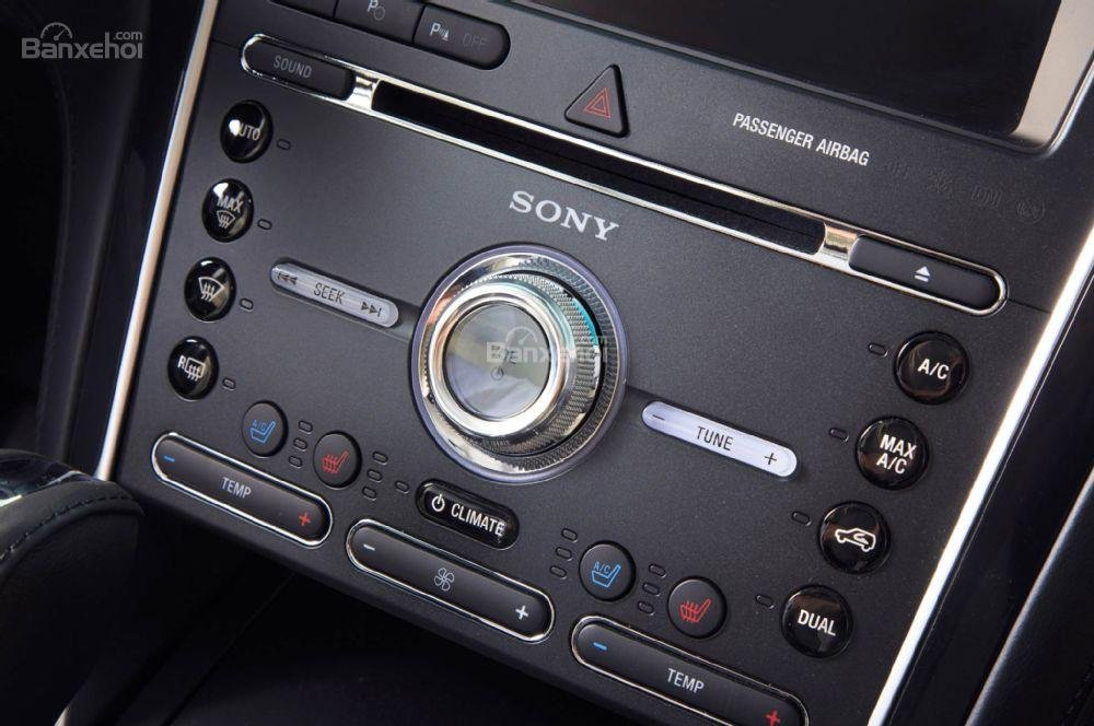 Hệ thống âm thanh Sony 500W trên Ford Explorer Platinum 2016