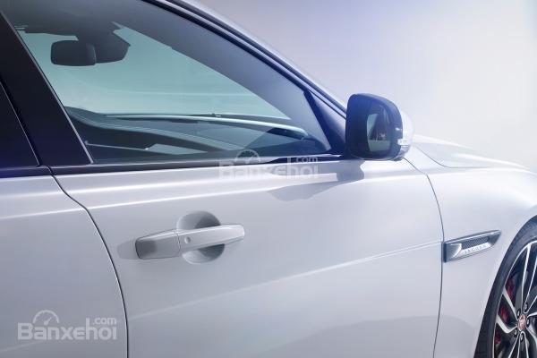 Gương chiếu hậu chỉnh điện tích hợp gập tự động, sưởi, chống chói và ghi nhớ vị trí 1