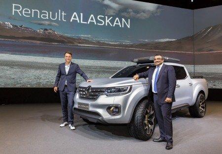 Mercedes và Renault làm xe bán tải