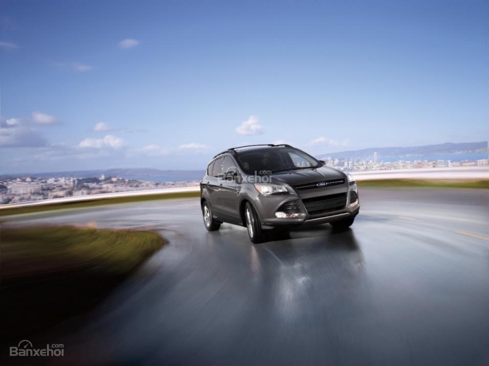 Ford Escape được trang bị khá nhiều tính năng công nghệ tiêu chuẩn