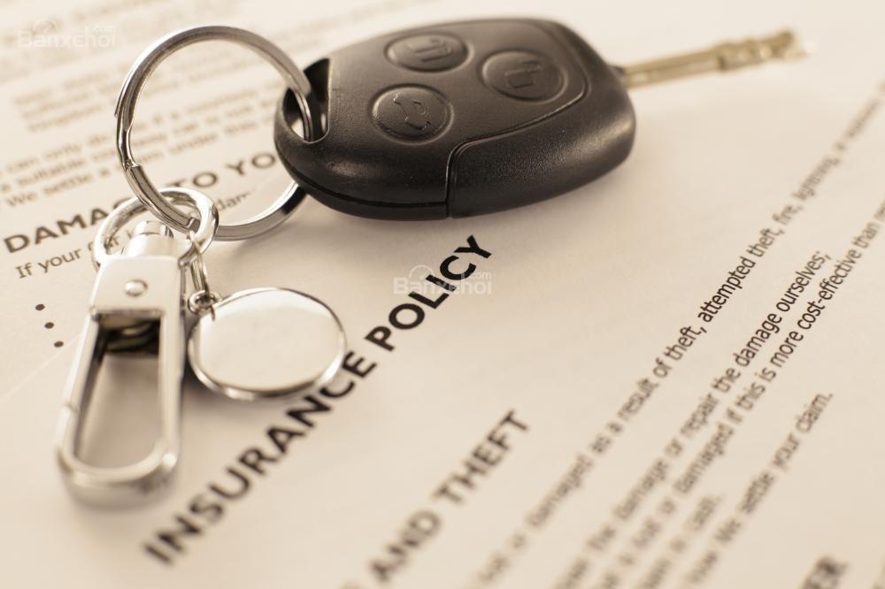 Kiểm tra nhiều mức phí trước khi mua bảo hiểm xe hơi.
