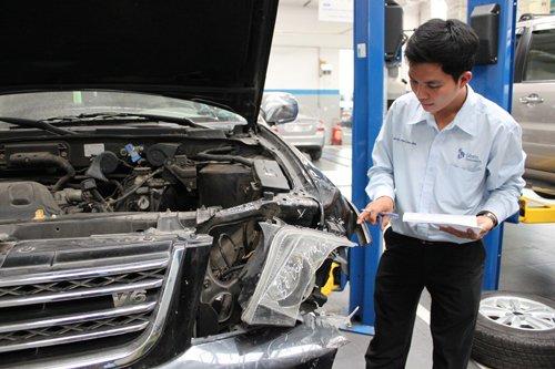Khách hàng nên tìm hiểu thật kỹ các quy định bảo hiểm.