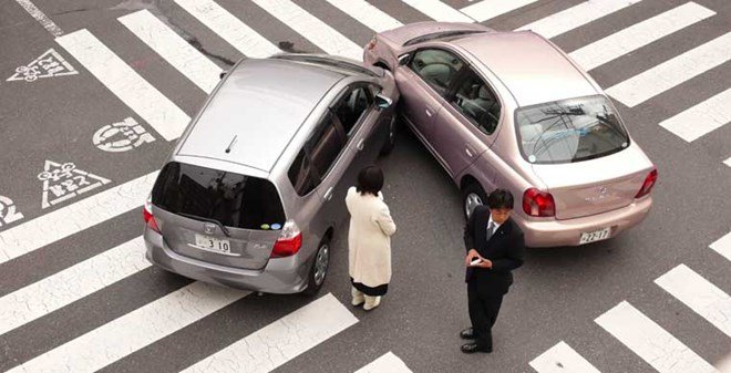 Bảo hiểm vật chất cho xe ô tô giúp chủ xe giảm được chi phí sửa chữa xe khi có va chạm xảy ra.