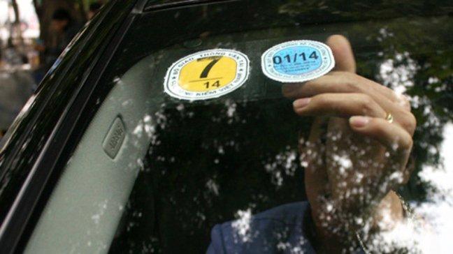 Bộ Tài chính thống nhất bỏ áp dụng tem nộp phí sử dụng đường bộ.
