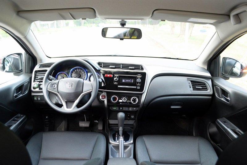 Đánh giá Honda City 2016: sở hữu không gian nội thất rộng rãi và tiện nghi.