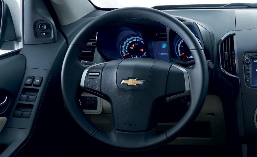 Đánh giá xe Chevrolet Colorado 2015 phần nội thất 5.