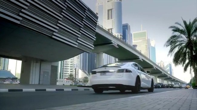 Xe tự lái của Tesla sẽ thay thế taxi truyền thống trong tương lai.