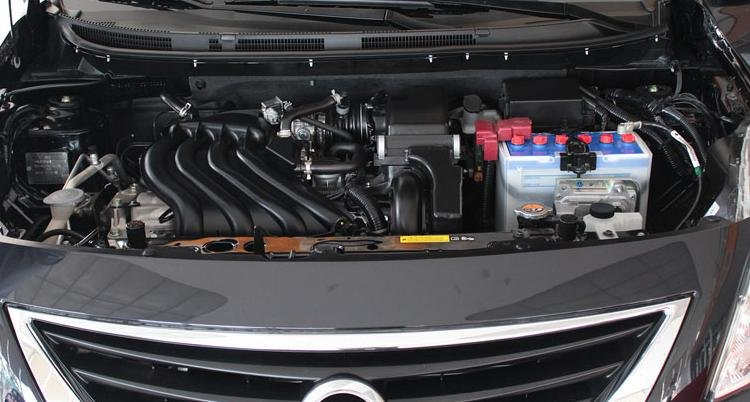Đánh giá xe Nissan Sunny 2015 có hộp số tự động 4 cấp và số sàn 5 cấp.
