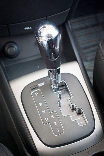 Kinh nghiệm lái xe ôtô tự động cho người mới cầm lái lần đầu dongjpg3e4d3f744ba047f397542b5b7ac9eb6e a72d