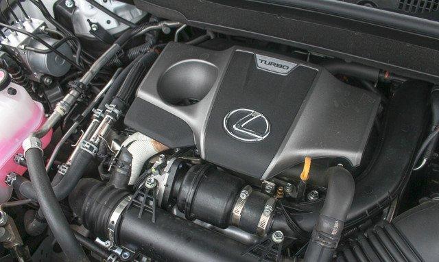 Đánh giá xe Lexus RX 200t có động cơ I4 tăng áp dung tích 2.0L.