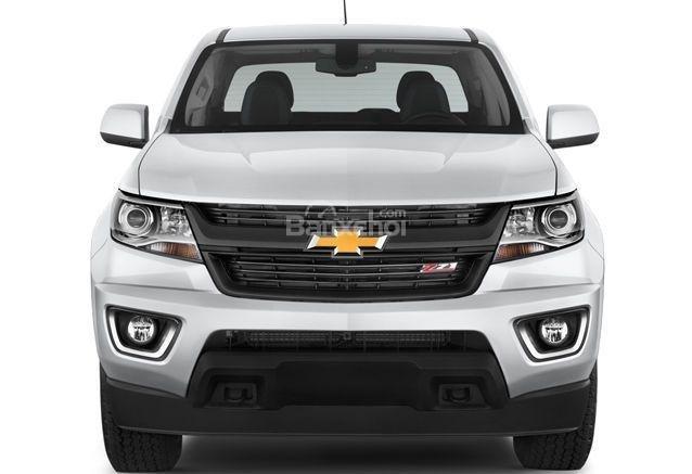 Đánh giá xe Chevrolet Colorado 2016: Đầu xe có thiết kế mạnh mẽ.