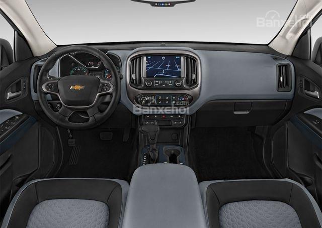 Đánh giá xe Chevrolet Colorado 2016: Khoang nội thất sang trọng.
