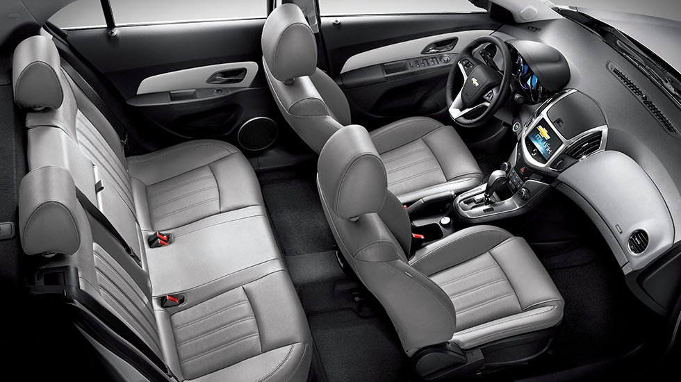 So sánh xe Chevrolet Cruze và Honda Civic 14