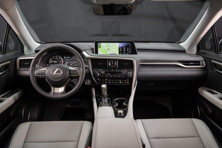 Đánh giá xe Lexus RX350 2016: Không gian nội thất sang trọng, tiện nghi, hiện đại.